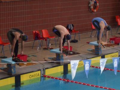Campeonato de espa a de nataci n con aletas en categor as for Aletas natacion piscina