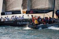 Mascalzone Latino Audi a un paso de semifinales. BMW Oracle y Emirates Team New Zealand siguen de líderes en Dubai Louis Vuitton Trophy