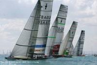 BMW Oracle gana la primera regata del acto 13